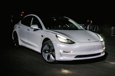 Американские эксперты определили автомобиль с лучшими фарами