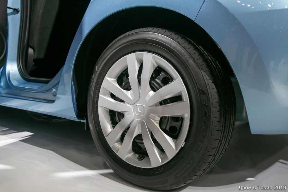Honda Fit Basic. Штамовка наше все