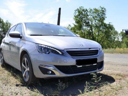 Peugeot 308 2015 - отзыв владельца