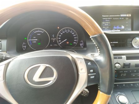 Lexus ES300h 2012 - отзыв владельца