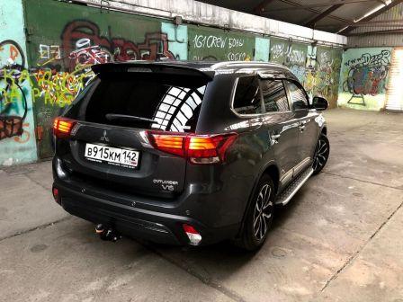 Mitsubishi Outlander 2019 - отзыв владельца