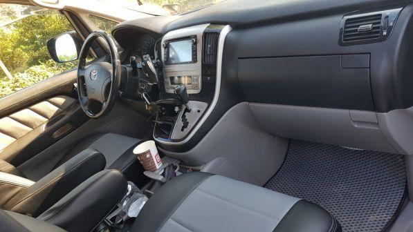 Toyota Alphard 2007 - отзыв владельца