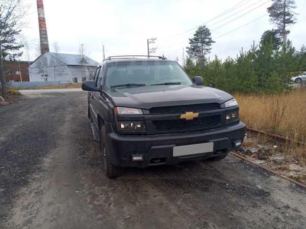 Chevrolet Avalanche, 2002 год, 699 000 руб.