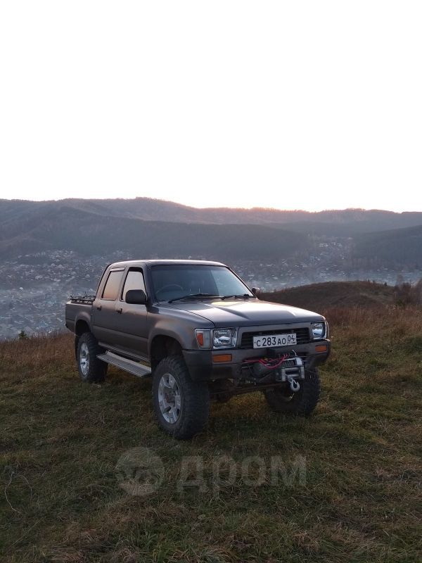 Toyota Hilux Pick Up, 1989 год, 490 000 руб.