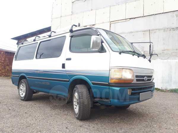 Toyota Hiace, 2001 год, 540 000 руб.