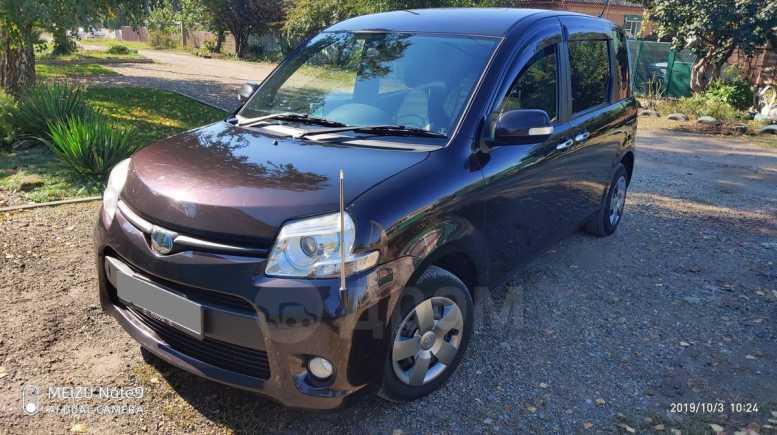 Toyota Sienta, 2013 год, 850 000 руб.