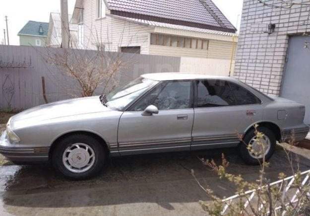 Oldsmobile 88, 1994 год, 279 000 руб.