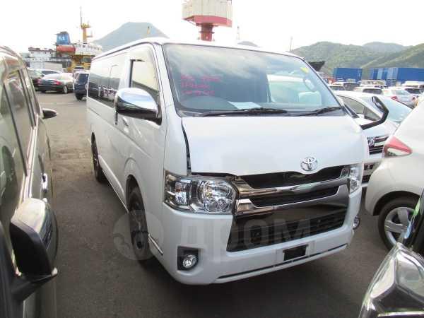 Toyota Hiace, 2015 год, 1 985 000 руб.