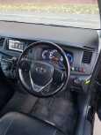 Toyota Isis, 2015 год, 900 000 руб.