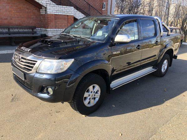 Toyota Hilux Pick Up, 2012 год, 1 290 000 руб.