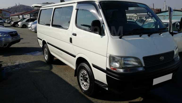 Toyota Hiace, 1999 год, 695 000 руб.
