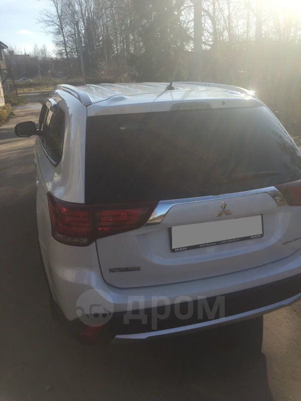 Mitsubishi Outlander, 2016 год, 1 130 000 руб.