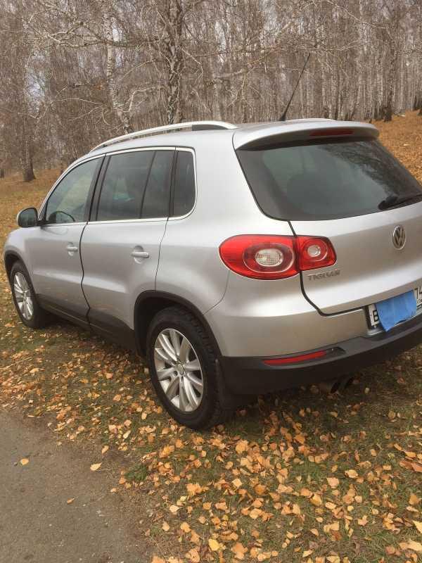 Volkswagen Tiguan, 2011 год, 700 000 руб.