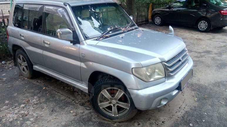 Mitsubishi Pajero iO, 2005 год, 300 000 руб.