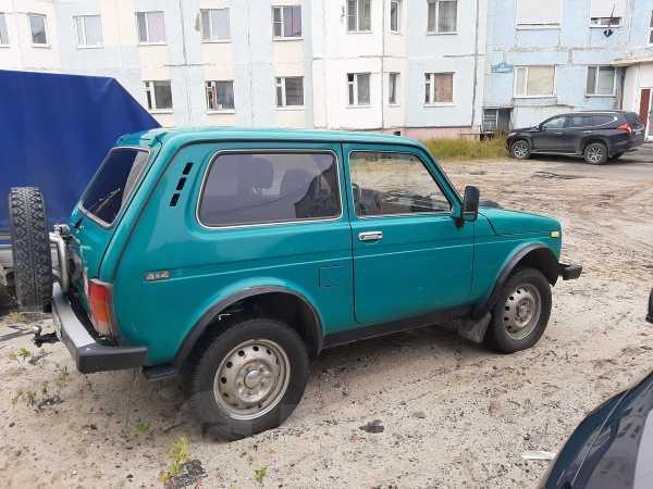 Лада 4x4 2121 Нива, 1999 год, 180 000 руб.