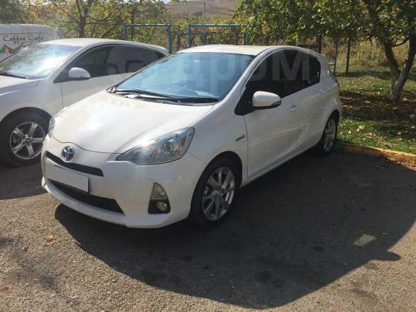 Toyota Aqua, 2012 год, 450 000 руб.