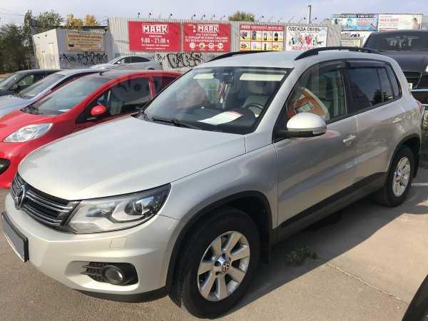 Volkswagen Tiguan, 2013 год, 898 000 руб.