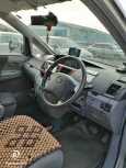 Toyota Noah, 2006 год, 530 000 руб.