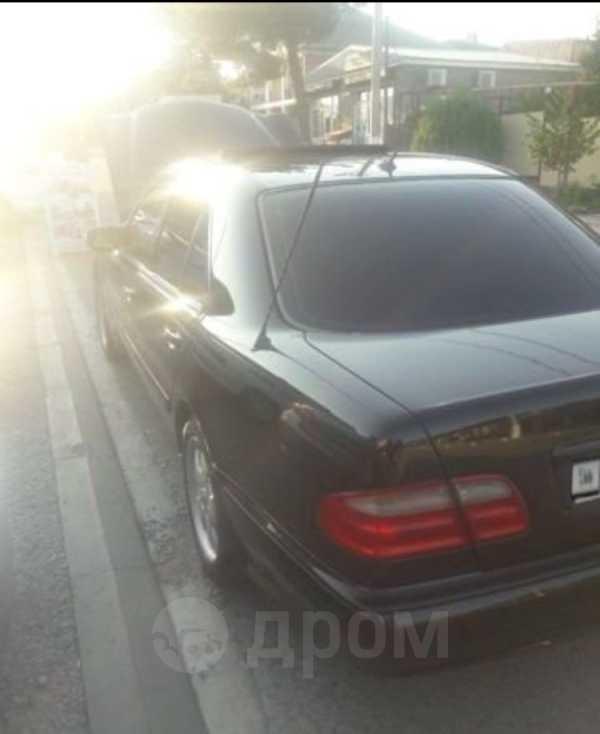 Mercedes-Benz E-Class, 2001 год, 420 000 руб.