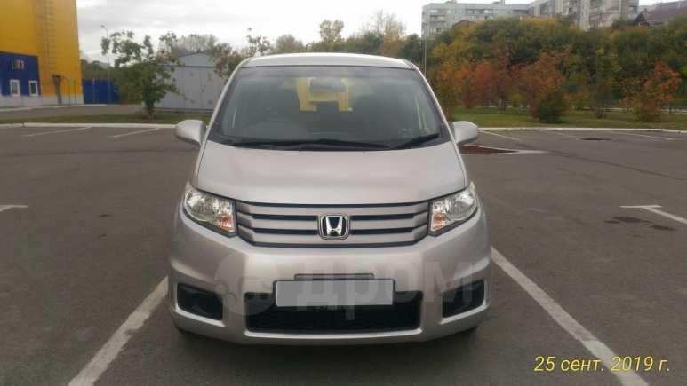 Honda Freed Spike, 2013 год, 710 000 руб.