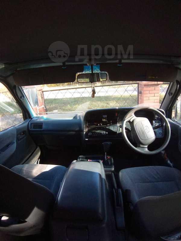 Toyota Hiace, 2003 год, 410 000 руб.
