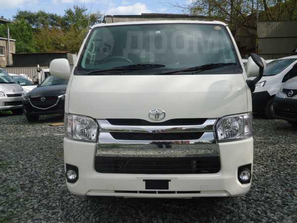 Toyota Hiace, 2017 год, 1 700 000 руб.
