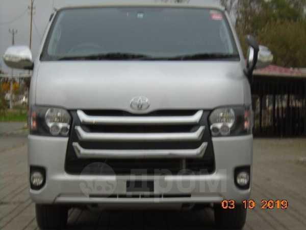 Toyota Hiace, 2015 год, 1 990 000 руб.