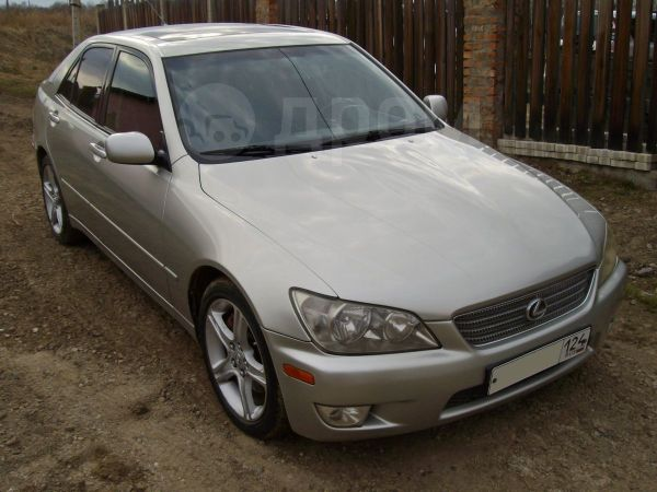 Lexus IS300, 2000 год, 500 000 руб.