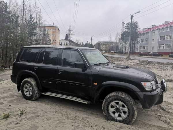 Nissan Patrol, 2001 год, 590 000 руб.