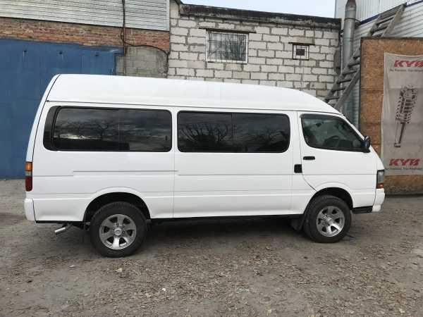 Toyota Hiace, 2000 год, 800 000 руб.