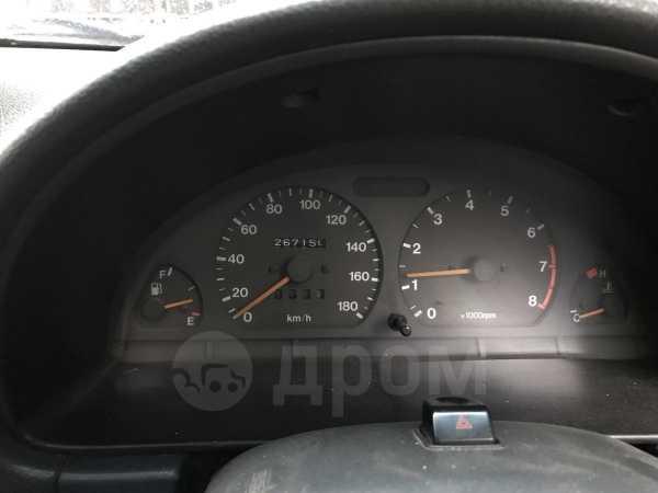 Mazda Proceed Levante, 1996 год, 310 000 руб.