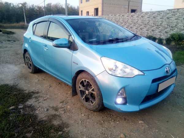 Toyota Aqua, 2012 год, 635 000 руб.