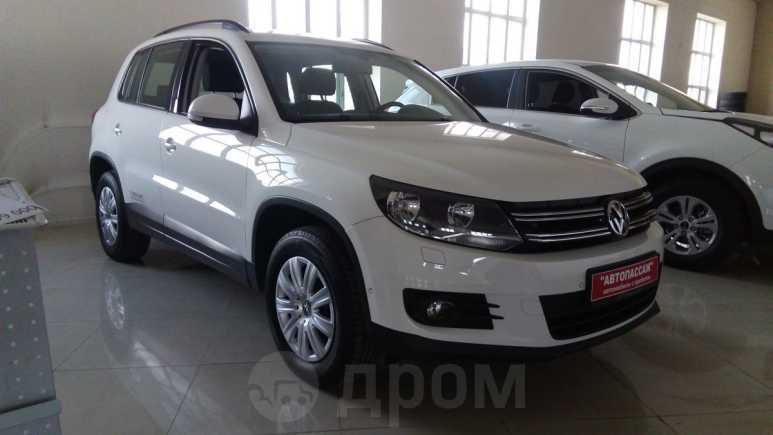 Volkswagen Tiguan, 2013 год, 829 000 руб.