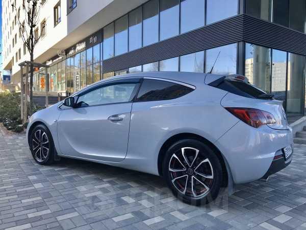 Opel Astra GTC, 2013 год, 648 000 руб.