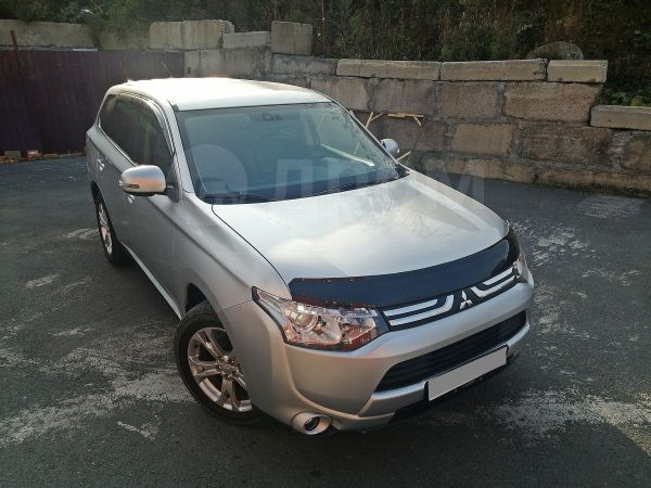 Mitsubishi Outlander, 2013 год, 800 000 руб.
