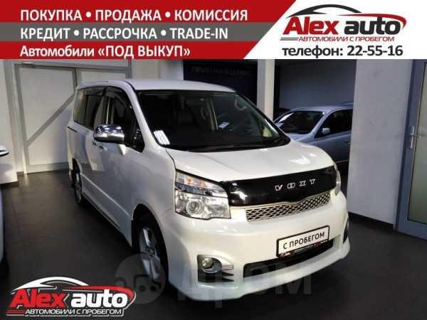 Toyota Voxy, 2013 год, 1 170 000 руб.