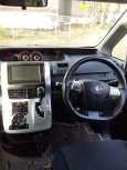 Toyota Noah, 2013 год, 1 050 000 руб.