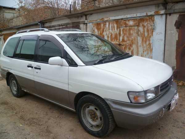 Nissan Prairie Joy, 1997 год, 165 000 руб.