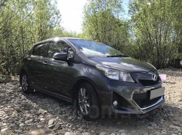 Toyota Vitz, 2012 год, 600 000 руб.