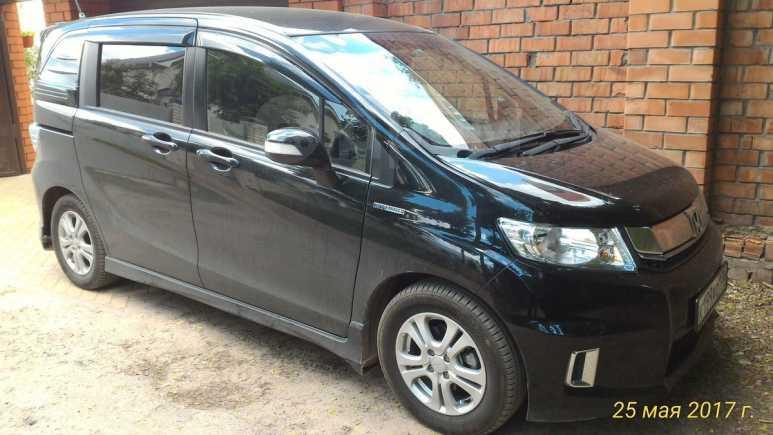 Honda Freed Spike, 2014 год, 815 000 руб.