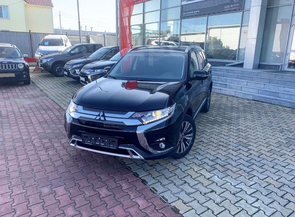 Mitsubishi Outlander, 2019 год, 1 842 000 руб.