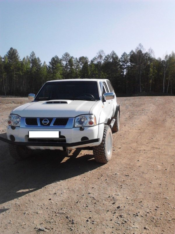 Nissan NP300, 2011 год, 1 000 000 руб.
