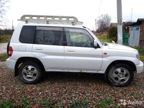 Mitsubishi Pajero iO, 2001 год, 230 000 руб.