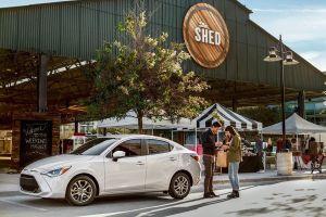 В США начались продажи обновленного седана Toyota Yaris (он же Mazda 2)