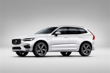 В России теперь можно купить Volvo XC60 T8 Twin Engine, и его можно заряжать от розетки