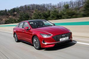 Прибежище стиля. Первый тест Hyundai Sonata нового поколения