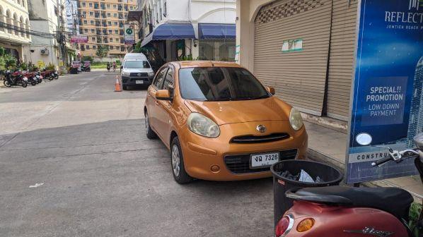 Nissan March 2010 - отзыв владельца
