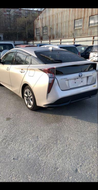 Toyota Prius 2016 отзыв автора | Дата публикации 09.11.2019.