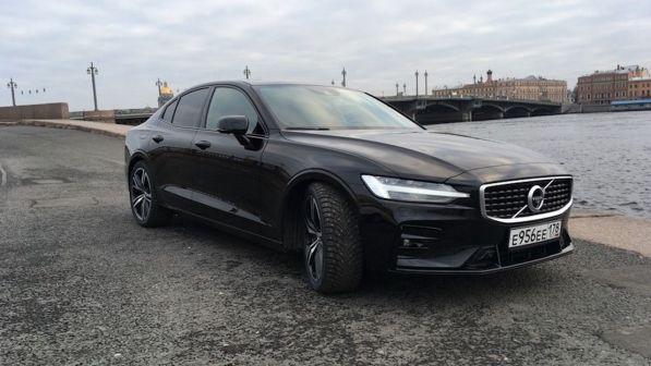 Volvo S60 2019 - отзыв владельца