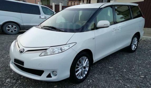 Toyota Previa 2013 - отзыв владельца